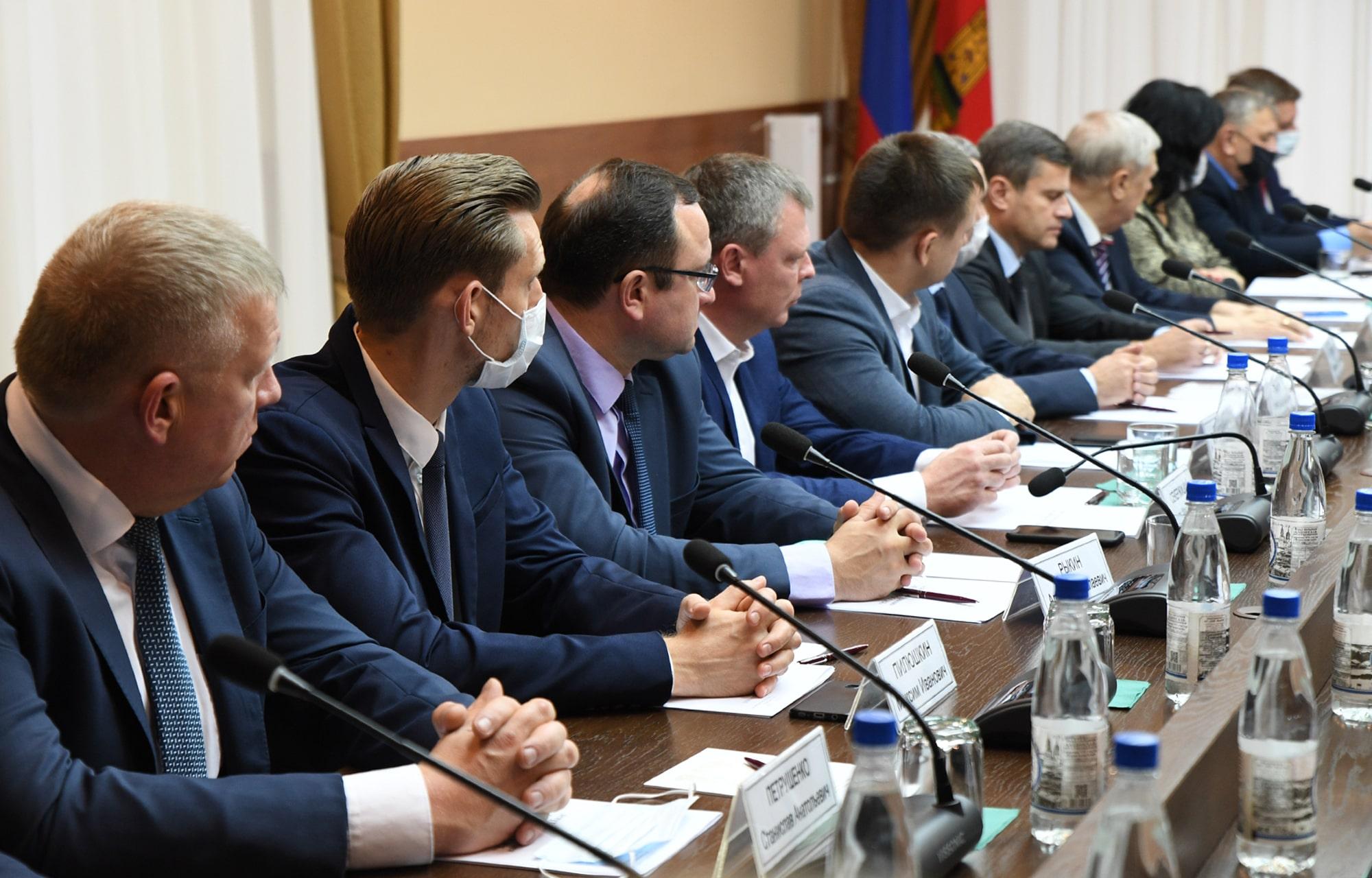 Игорь Руденя: депутаты должны активно включаться в решение важных для жителей задач