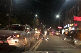 """В Твери """"Датсун"""" сбил пешехода-нарушителя: пострадавшего увезли на скорой"""